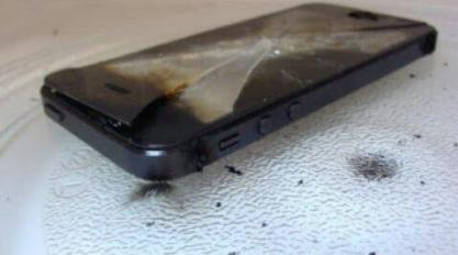 Note:  You cannot charge an iPhone in a microwave oven.