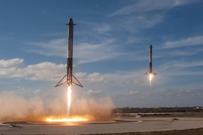 Falcon Heavy Landing_0218